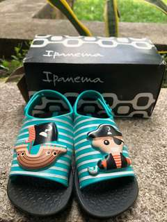 Ipanema pre-loved baby sandals
