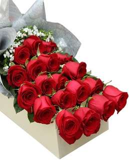 Red Roses Bouquet in Gifts Box /Flower bouquet / mother's Day