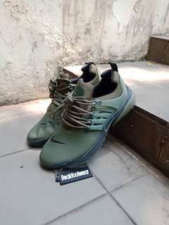 NIKE AIR PRESTO UTILITY LOW OLIVE GREEN