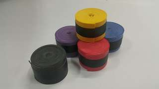 Foam grip tape. For badminton, squash professionals. Can also fit jr tennis rackets.