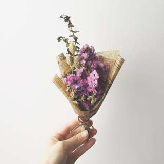 Dried Hand Bouquet - Petite