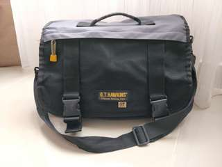 GT Hawkins Messenger Bag
