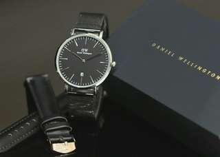 Jam tangan DW kw