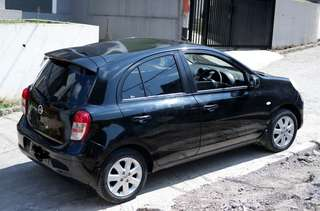Nissan march hitam 2012