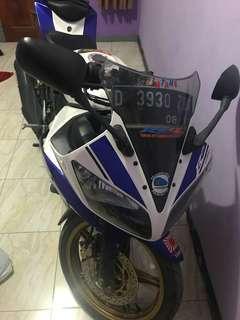 Yamaha R15 putih biru thn 2014