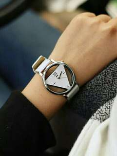 Jis korea style triangle watch