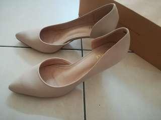 Tomaz heels