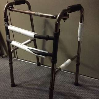 Foldable walking support