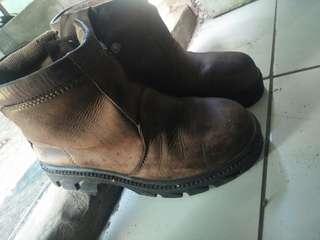 Sepatu Safety boots merek KING origunal