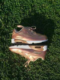 Nike  kids rose gold