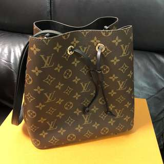全新正品 Louis Vuitton LV NEONOE (Black) 黑色索帶桶袋