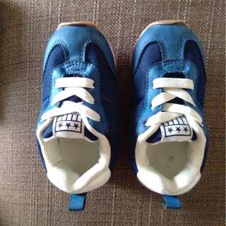 Sport Shoes by H&M (size eur 22)