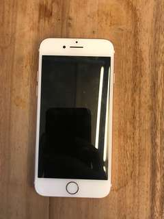 iPhone 7 (32GB) / GLOBE LOCKED