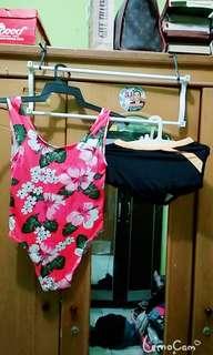 Sepasang baju renang anak wanita dan anak laki laki