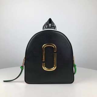 Marc Jacobs the pack shot - black x pink
