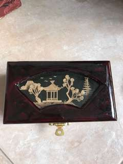 Handy craft small jewellery box