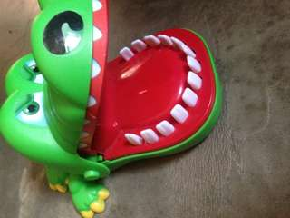 Crocodile dentist toy
