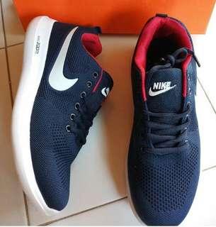 SEPATU Nike Sport
