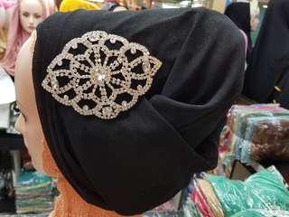 Pashmina glitter elegant dengan permata