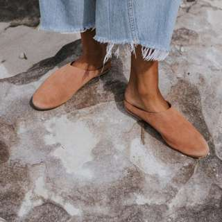 St Agni Lou Babouche in Clay Suede