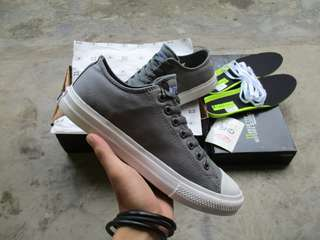 Converse Chuck Taylor 2 Low Dark Grey