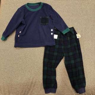 🚚 Uniqlo 小男童刷毛睡衣居家服套裝 - 90