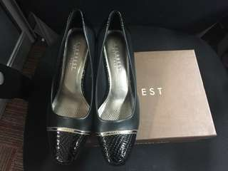 Everbest Shoes (NEW) size 37