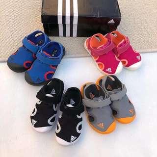 團購adidas 小童涼鞋