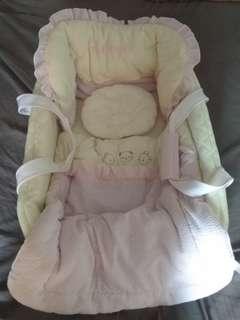 Preloved baby bassinet