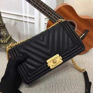 Chanel Chevron Le Boy in 25cm Caviar