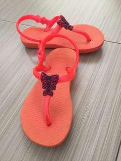 Havaianas girls sandals size 23/24