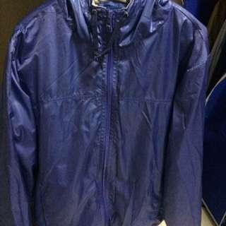 Windbreaker / jacket / sweater / hoodie
