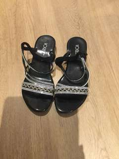 Size 36 black sandals worn once
