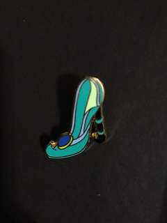 Disney pin jasmine 鞋