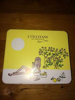 L'Occitane NEW set with tin and bonus sample