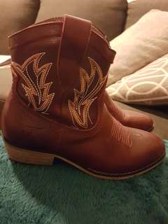Pure western/Thomas cook western boots
