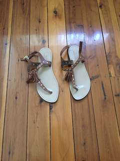 SZ 38 (AU7) leather sandals