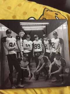Exo love me right repackage Korea ver. With sehun 小卡