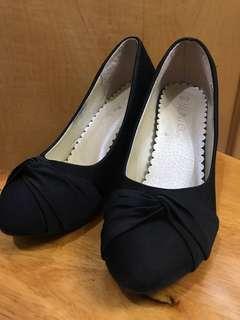 黑色船踭鞋