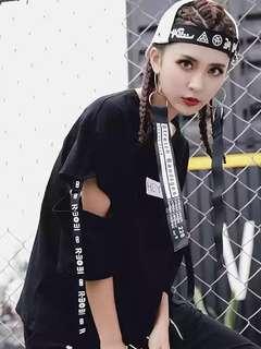 🚚 韓版個性酷酷學生t黑白兩色