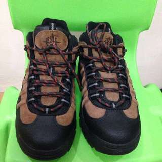 Nevados Real Leather All Around Shoe (2 Sizes Available)