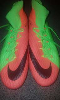 NIKE HYPERVENOM Soccer/Rugby boots