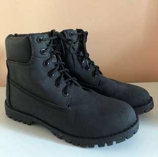 BLACK TIE-UP BOOTS *never worn*