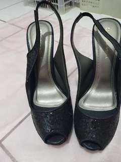Pump heels blink blink
