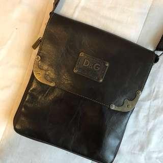 D&G inspired vintage boho retro side messenger bag purse leather look with brass look hardware detail