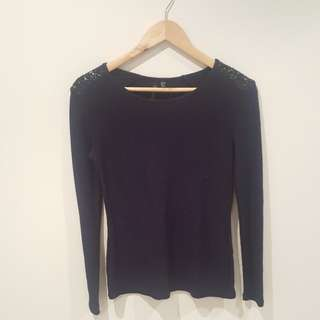 Forever New size 6 black sequins navy blue knit