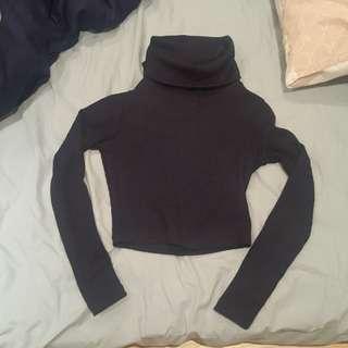 Navy blue size 6 crop knit