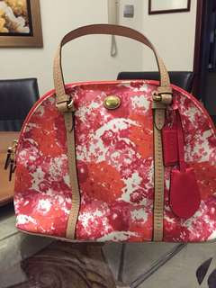 Coach bag leather. Ideal for mother day present