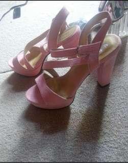 Suwde rextured high heels
