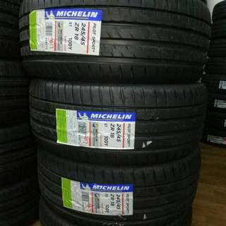 Michelin PS4 245/45/18